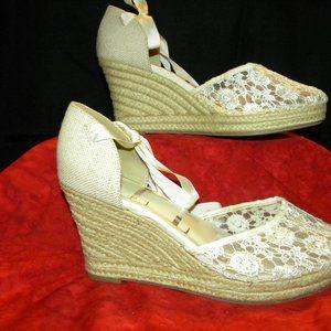 Elle brand  Lace up Espadrilles Size 9.5